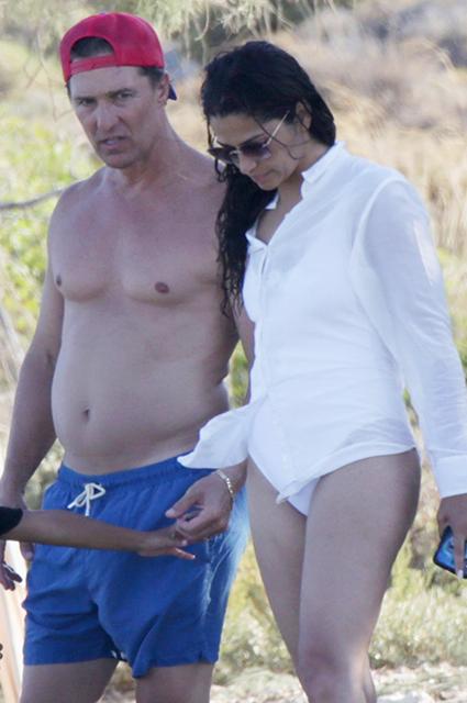 Мэттью Макконахи с женой Камилой Алвес