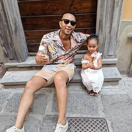 Крисси Тейген и Джон Ледженд с детьми отдыхают в Италии