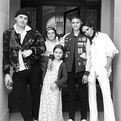 Харпер Бекхэм с семьей