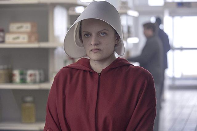 Элизабет Мосс о съемках мрачных сцен в
