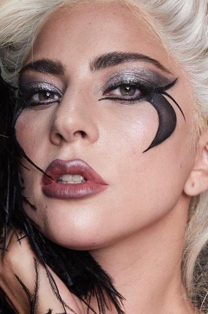 Бьюти-дайджест: от бренда косметики Леди Гаги до коллекции в честь Пакмана