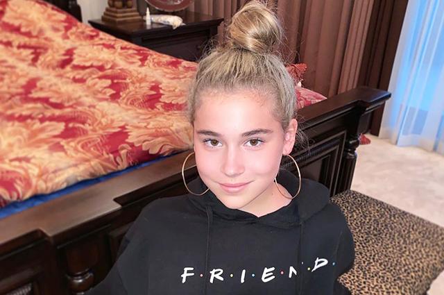 11-летняя дочь Алсу Микелла Абрамова представила дебютный клип о первой любви