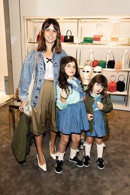 Наталья Гольденберг с дочерьми Мишей и Женей
