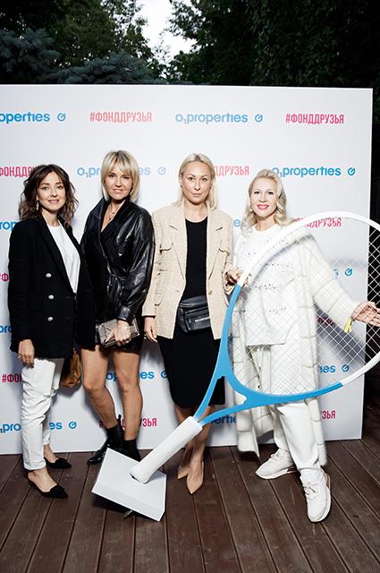 Ирина Вольская, Юлия Бордовских, Марина Руднева и Екатерина Одинцова
