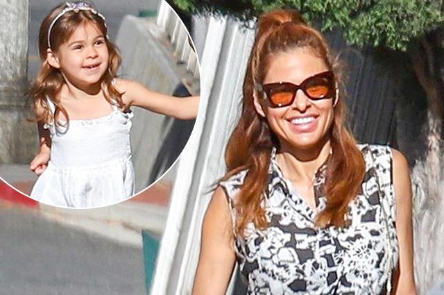 Ева Мендес на прогулке со старшей дочерью в Лос-Анджелесе: новые фото