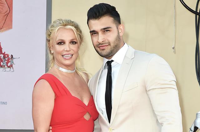 В сети подозревают, что Бритни Спирс помолвлена с Сэмом Асгари