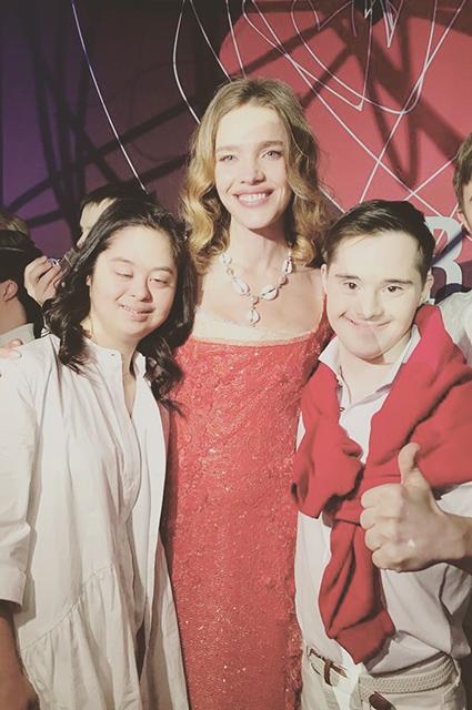 Наталья Водянова с дочерью Ирины Хакамады Марией и ее возлюбленным