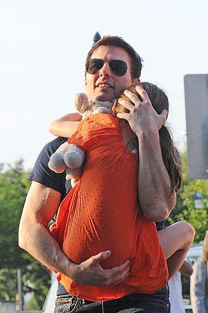 Сайентологи запрещают Тому Крузу общаться с дочерью