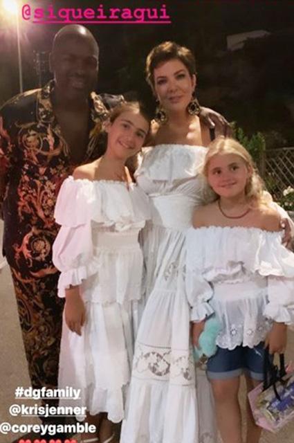 Кайли Дженнер на свидании с Трэвисом Скоттом на острове Капри: новые фото