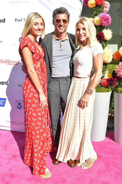 Патрик Демпси вместе с женой и дочерью посетил благотворительное мероприятие в Калифорнии