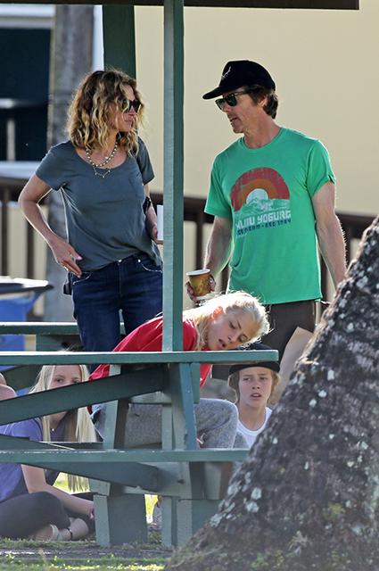 Джулия Робертс с мужем и детьми отдыхает на Гавайях