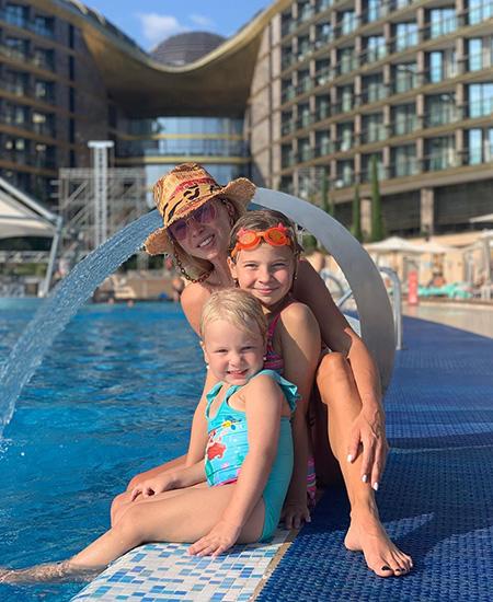 Татьяна Тиманина с детьми