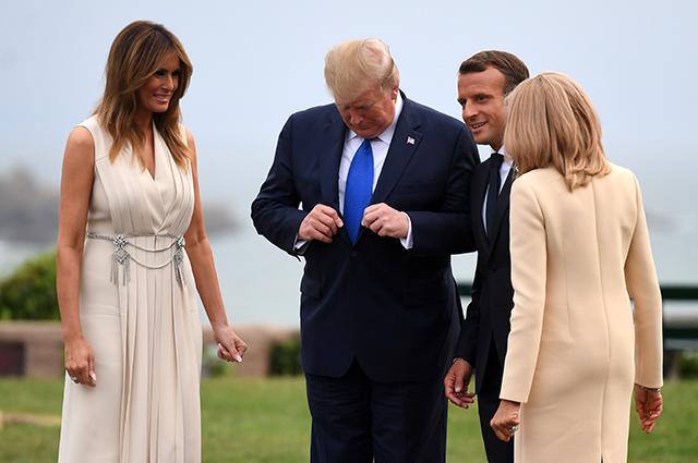Во Франции начался саммит G7: Эммануэль и Брижит Макрон, Дональд и Мелания Трамп, Ангела Меркель и другие участники