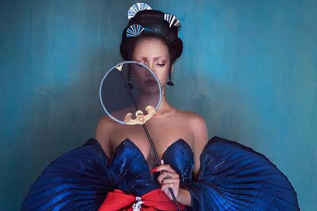 Рианна создала образы в азиатском стиле для фотосессии китайского Harper's Bazaar