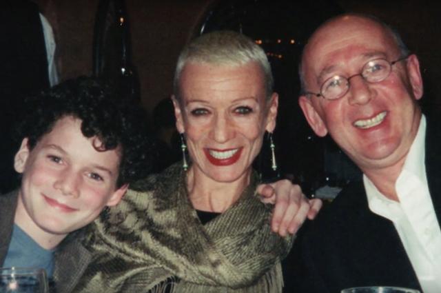 Антон Ельчин с родителями