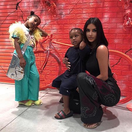 Поклонники Ким Кардашьян уверены, что она сделала пластическую операцию и стала похожа на Бейонсе