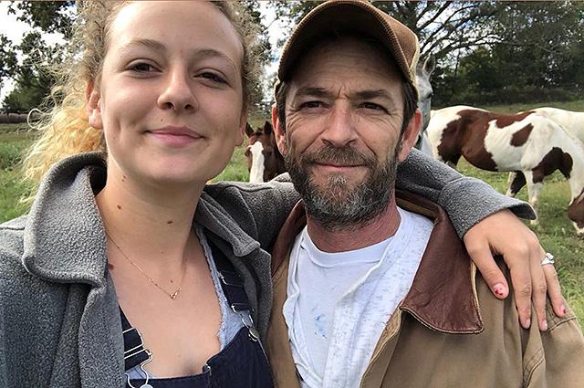 Дочь Люка Перри ответила на обвинения в отсутствии скорби после смерти отца: