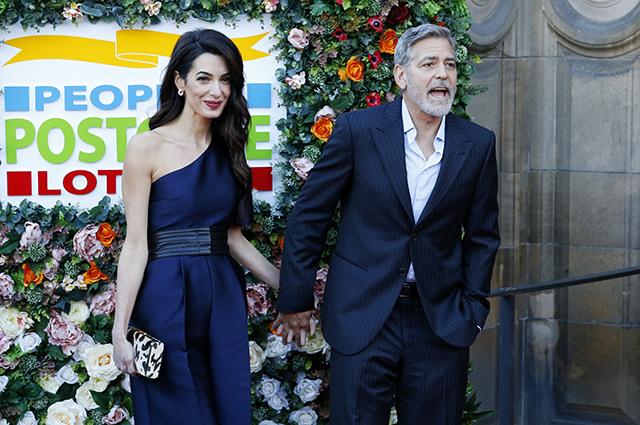 Амаль и Джордж Клуни посетили благотворительное мероприятие в Эдинбурге