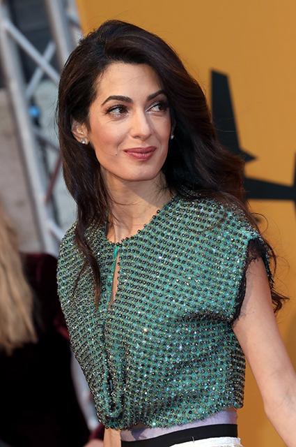Амаль Клуни поддержала мужа Джорджа на премьере сериала