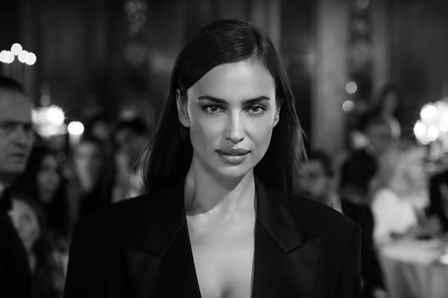 Ирина Шейк в кадре из рекламы аромата Scandal