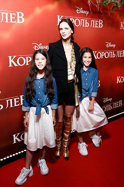 Ксения Князева с детьми
