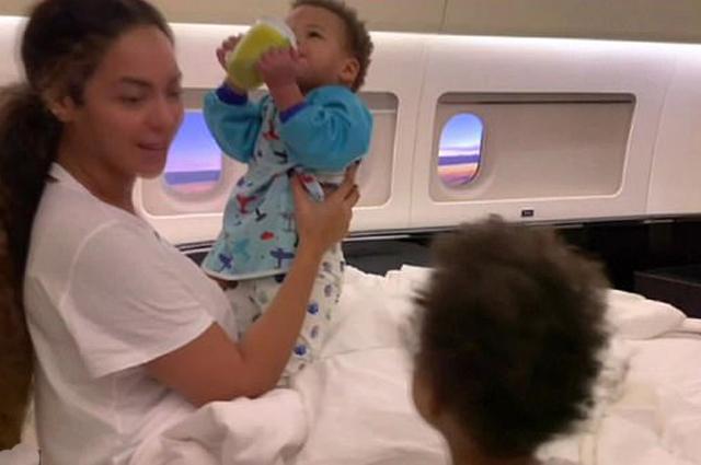 Бейонсе показала редкие семейные кадры с мужем и детьми в новом документальном фильме