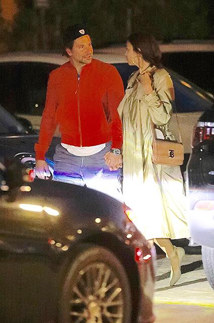 Ирина Шейк и Брэдли Купер устроили романтический ужин в Санта-Монике