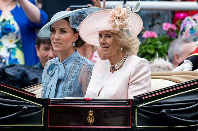 Кейт Миддлтон и герцогиня Корнуольская Камилла