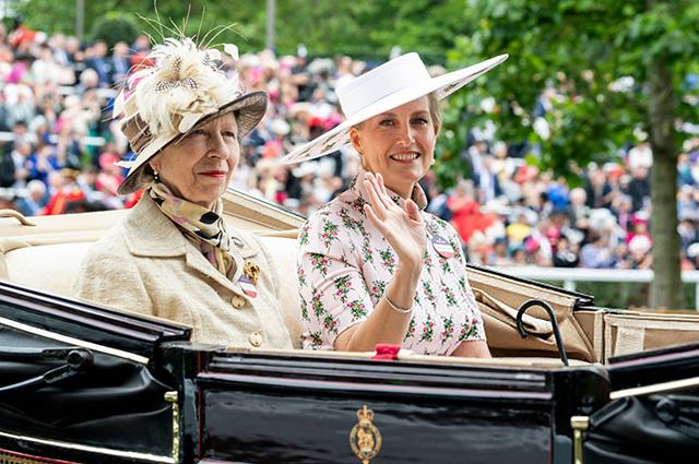 принцесса Анна и графиня Уэссекская Софи