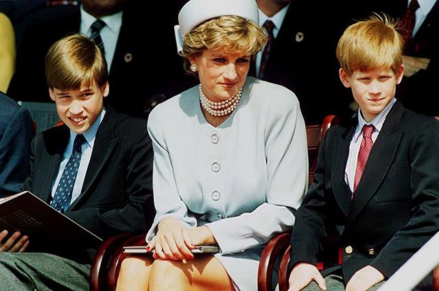 В сети обсуждают отказ принцессы Дианы назвать принца Уильяма и принца Гарри другими именами