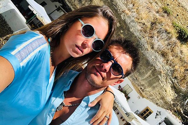Агата Муцениеце и Павел Прилучный с детьми отдыхают в Испании
