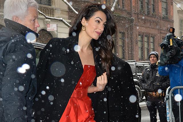 Амаль Клуни побывала на вечеринке Меган Маркл в честь скорого рождения ребенка