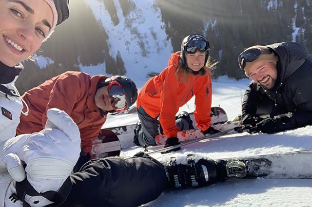 Ольга Зуева и Данила Козловский весело проводят время в горах