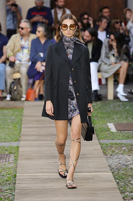 Неделя моды в Милане: Ирина Шейк, Белла Хадид, Кэндис Свейнпол, Анна Делло Руссо и другие на показе Etro