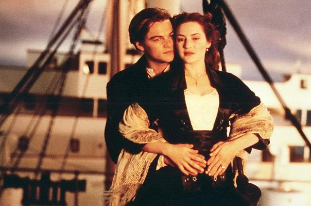 """Леонардо ДиКаприо и Кейт Уинслет в кадре из """"Титаника"""""""