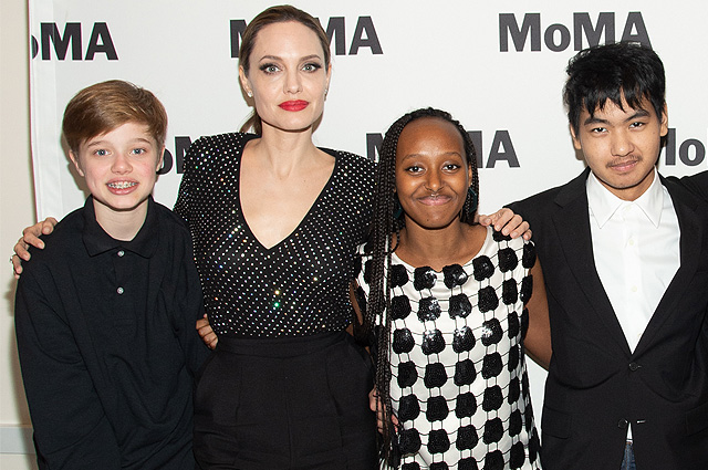 Анджелина Джоли сводила старших детей в Нью-Йоркский музей современного искусства