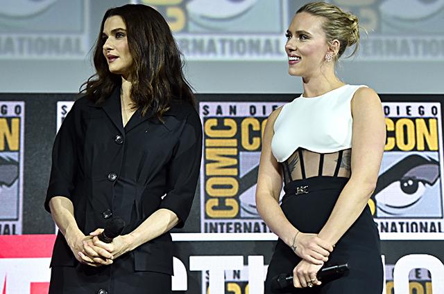Рэйчел Вайс и Скарлетт Йоханссон на Comic-Con 2019