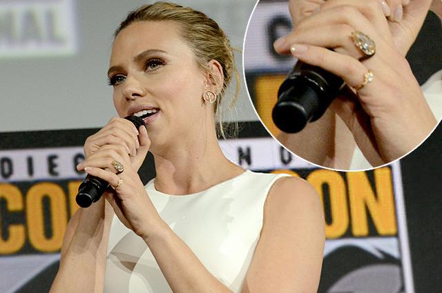 Скарлетт Йоханссон показала помолвочное кольцо на Comic-Con 2019