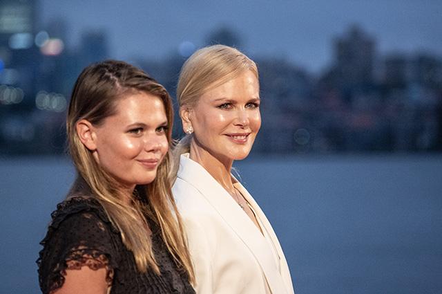 В сети обсуждают сходство Николь Кидман и ее племянницы на премьере фильма «Время возмездия» в Сиднее