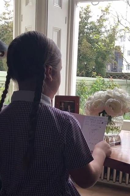Мраморная лестница, камин, декор: рассматриваем интерьер дома Дэвида и Виктории Бекхэм в Лондоне