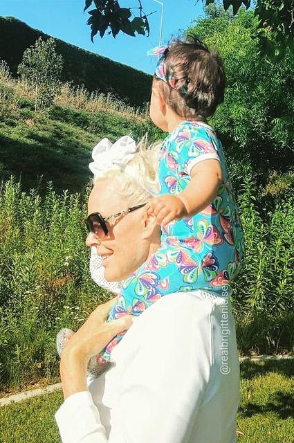 Бриджит Нильсен с дочерью