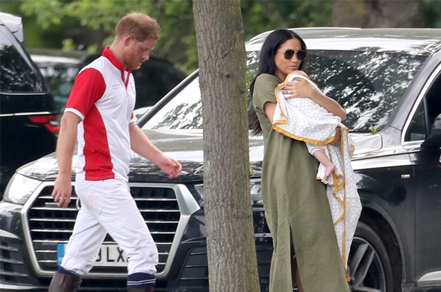 Меган Маркл и принц Гарри с сыном Арчи пообедали в сельском пабе в окрестностях Виндзора