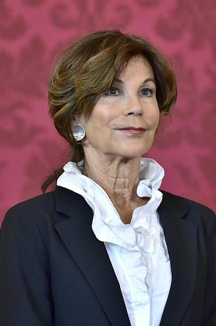 Впервые в истории правительство Австрии возглавила женщина