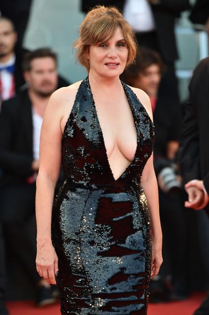 Венецианский кинофестиваль — 2019: Тина Кунаки, Венсан Кассель, Кристен Стюарт и другие звезды на премьерах