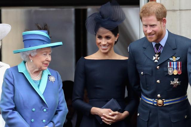 Королева Елизавета II, Меган Маркл и принц Гарри