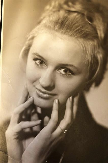 Мама Анны Семенович