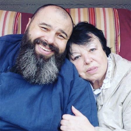Максим Фадеев с мамой