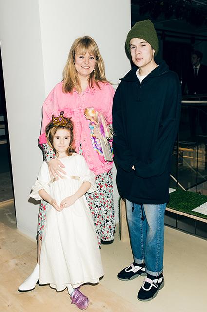 Анна Михалкова с сыном Андреем и дочерью Лидой
