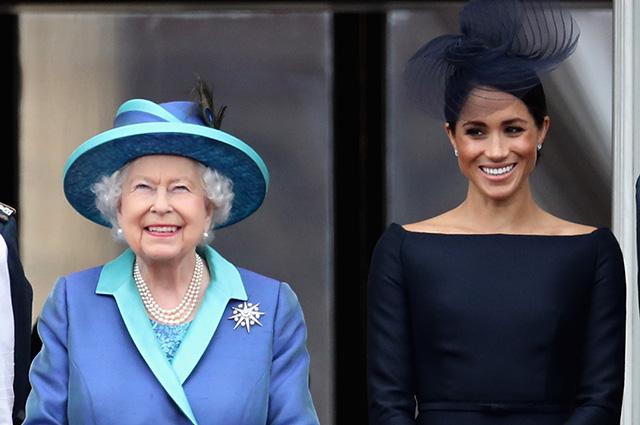 Ситуация накаляется: королева Елизавета II готова вмешаться в конфликт между Меган Маркл и ее отцом