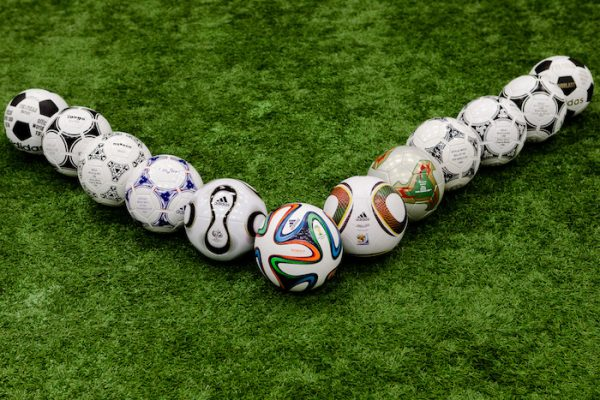 Футбольные мячи известных марок в Украине